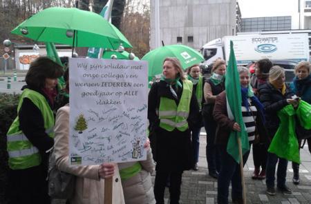 Personeel Antwerpse COS en collega's massaal op straat
