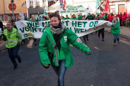 Antwerpse non-profit staakt in beeld