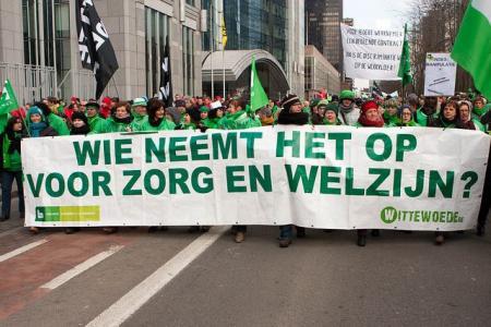 Fotoreportage actie tegen loonbevriezing en voor rechtvaardige fiscaliteit