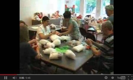 Onthaalouders maken kinderspeelgoed